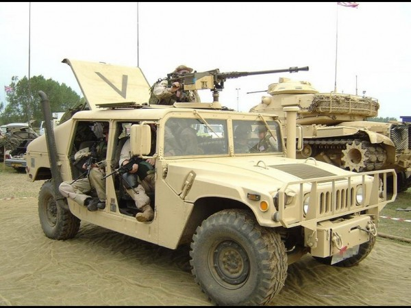 Humvee-Wallpaper-4