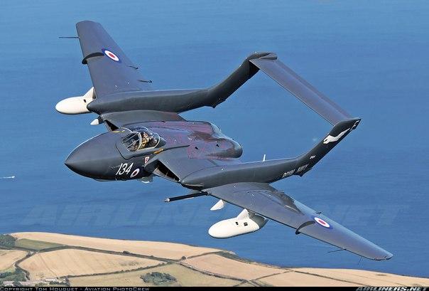 Самолет Де Хэвилленд DH.110 «Си Виксен»