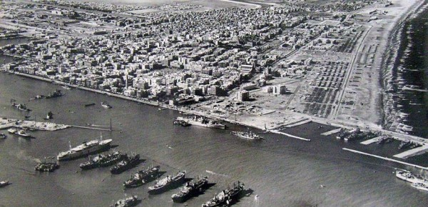 img1951664_Voennyie_karabli_v_Suetskom_kanale