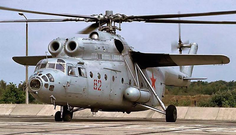 Тяжелый транспортный вертолет МИ-6