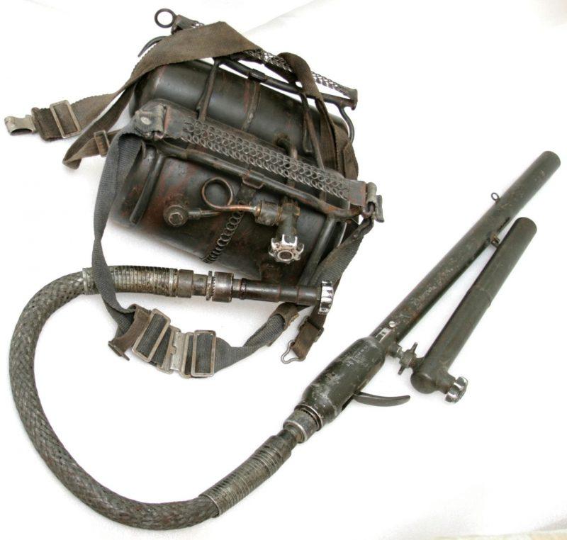 Ранцевый огнемет Fm.W.41 (Flammenwerfer 41)