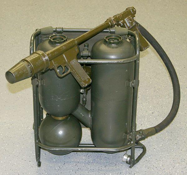 Ранцевые огнеметы М9-7 и М9А1-7