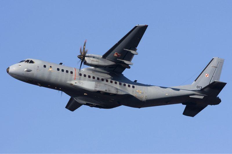 Военно-транспортный самолет EADS CASA C-295