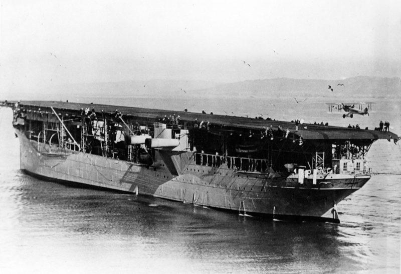 «Лэнгли» - первый авианосец ВМС США