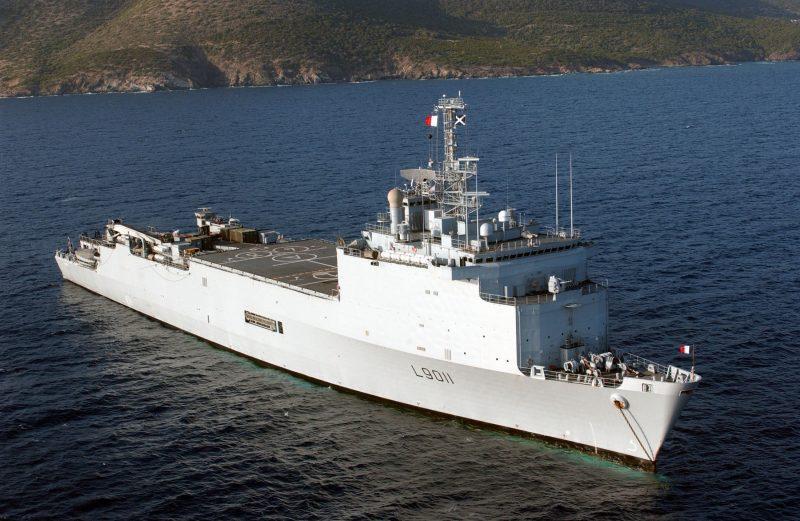 Десантные корабли-доки «Ураган» и «Фудр»