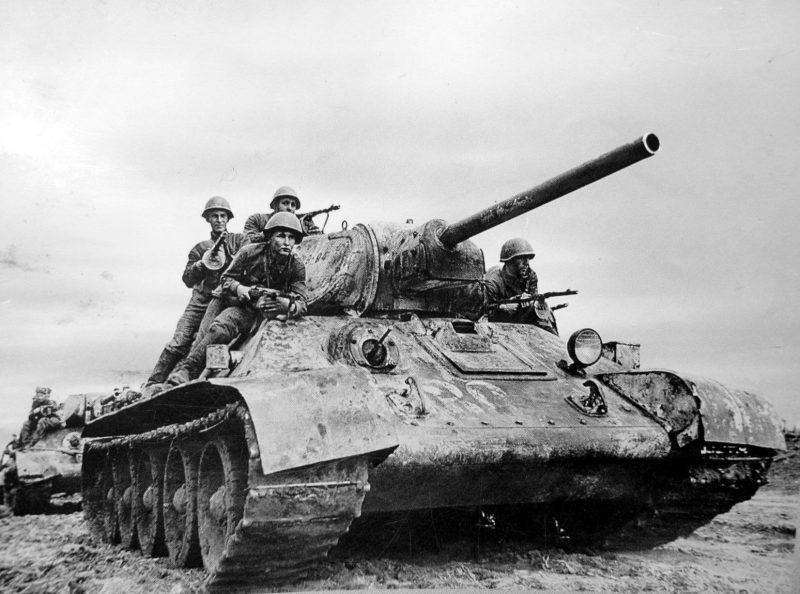 Танк Т-34 - «Легендарная тридцатьчетверка»