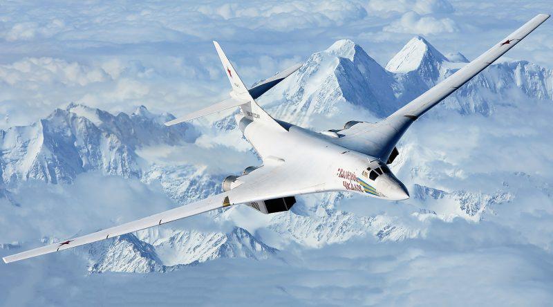 Сверхзвуковой стратегический бомбардировщик-ракетоносец Ту-160 «Белый лебедь»