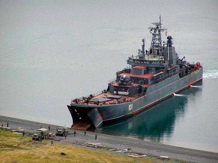 Большой десантный корабль (БДК) проекта 775