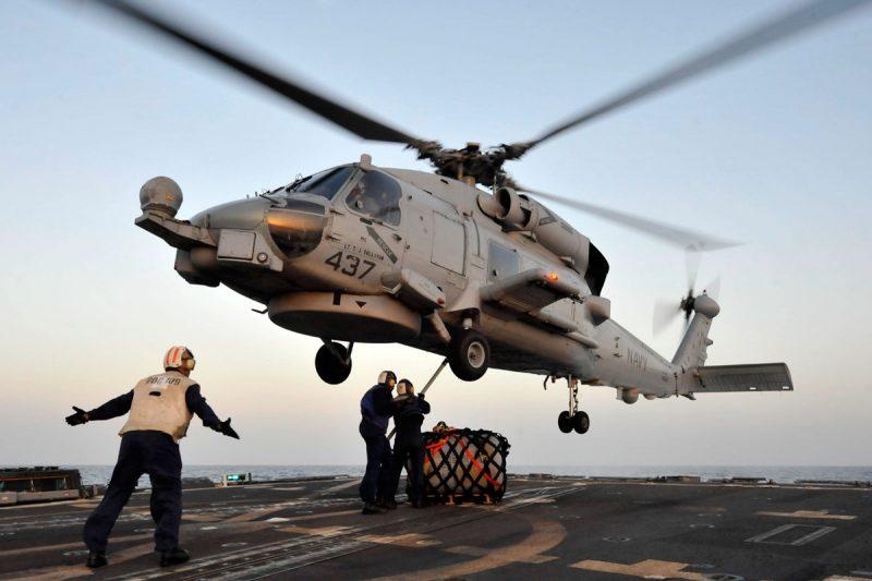 Многоцелевой палубный вертолет Сикорский SH-60 «Си Хок»