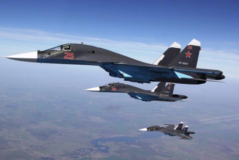 Многоцелевой ударный самолет Су-34