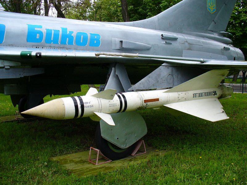 Управляемые ракеты К-8/Р-8 - Оружие перехватчика-ракетоносца