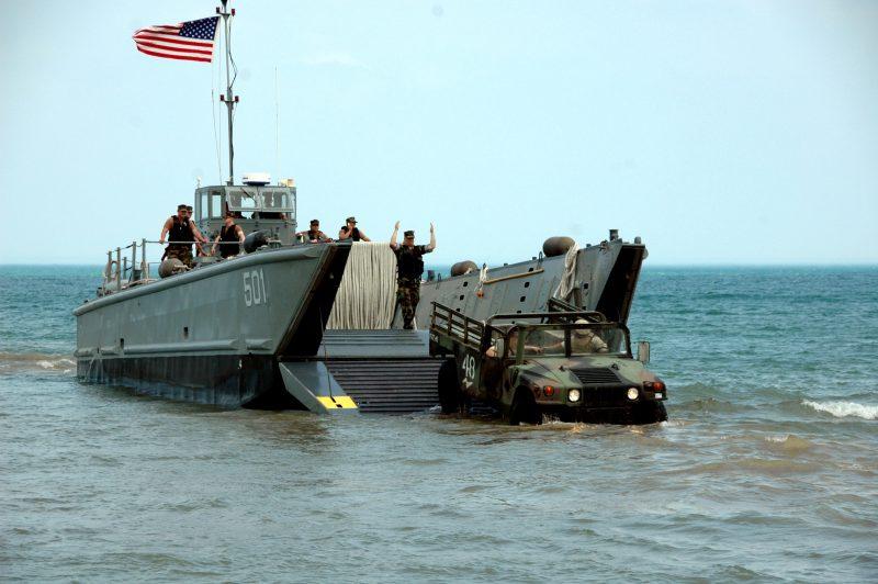 Десантные катера типа LCM-6 - малые «танконосцы»