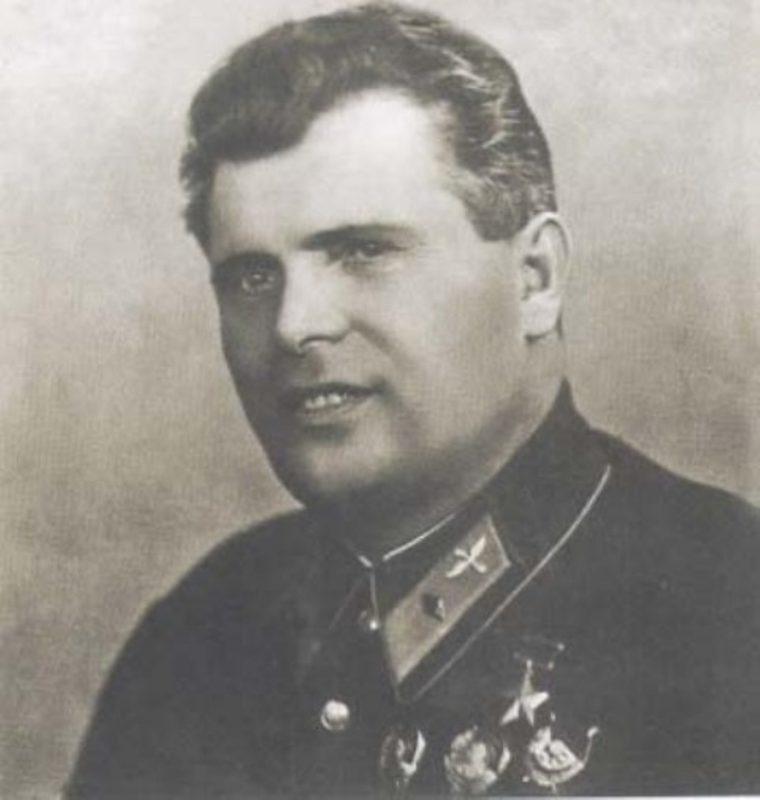 Полярный и боевой летчик Михаил Водопьянов