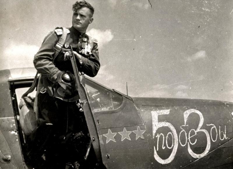 Николай Гулаев - лучший летчик-снайпер Второй мировой войны