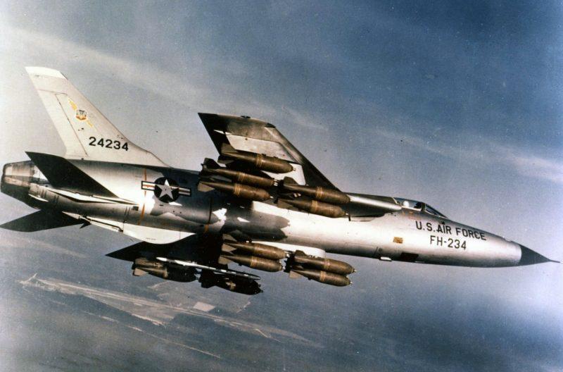 Истребитель-бомбардировщик Рипаблик F-105 «Тандерчиф»