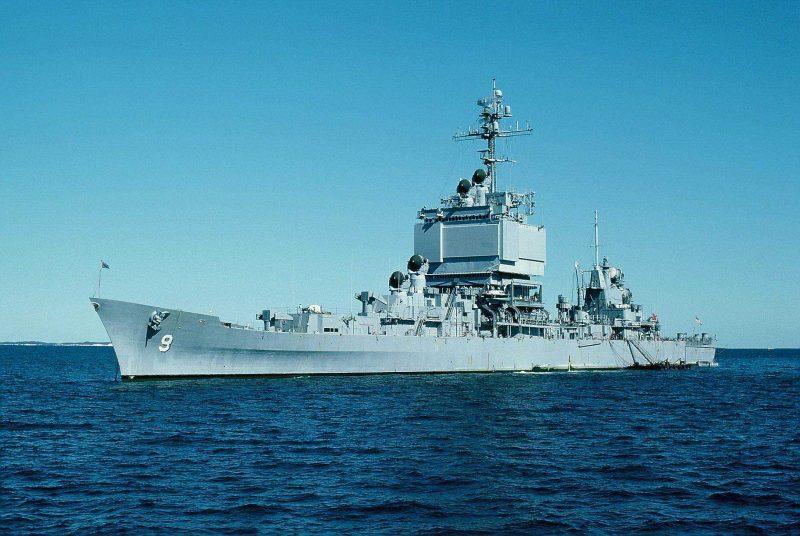 Ракетный крейсер «Лонг Бич» - первый атомный надводный корабль США