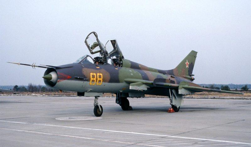 Су-7Б - сверхзвуковой боевой самолет