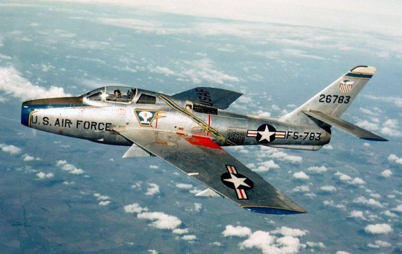 Истребитель-бомбардировщик «Рипаблик» F-84 - «Реактивный гром»