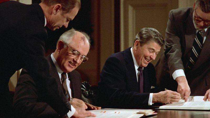 Михаил Горбачев - первый и последний президент СССР