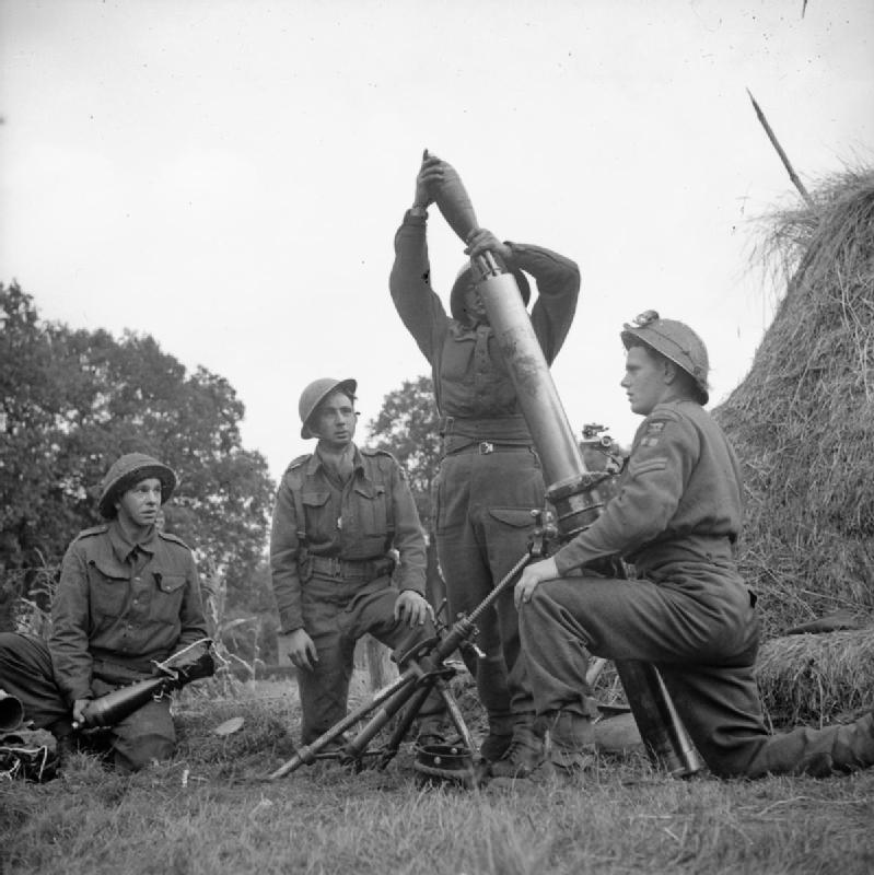 ML и SB - «легкий» и «тяжелый» минометы британской армии