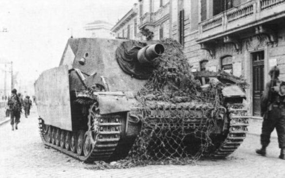 Штурмовое орудие SdKfz IV «Бруммбер»