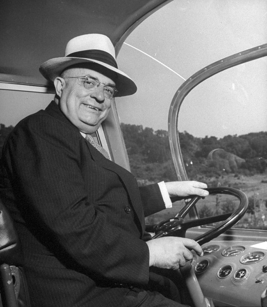 Генри Кайзер - корабли на конвейере