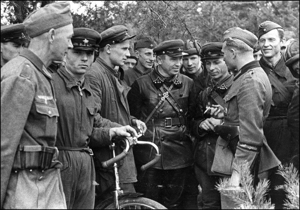 Присоединение Западной Украины и Западной Белоруссии к СССР (17 сентября — 12 октября 1939 г.)