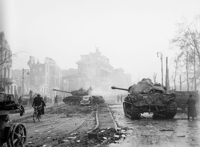 Битва за Берлин (16 апреля — 2 мая 1945 г.)