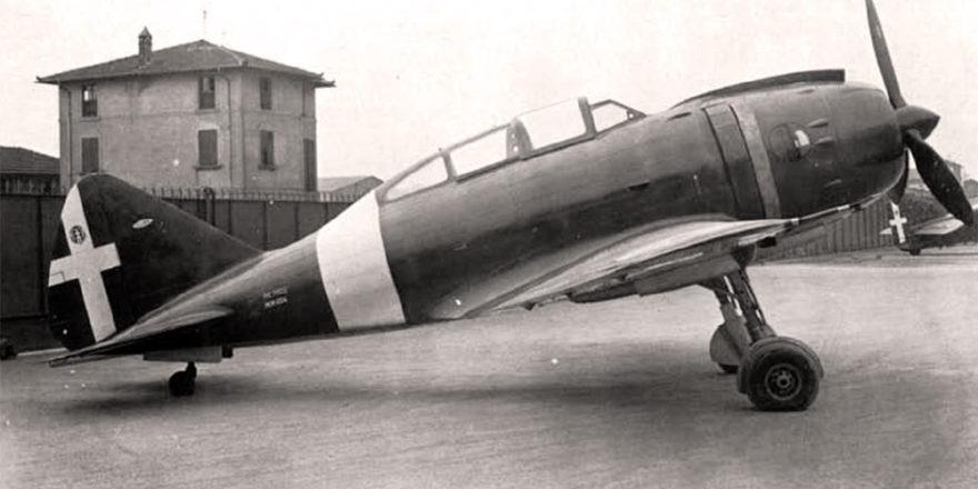 """Итальянский истребитель-бомбардировщик Reggiane Re.2002 """"Ariete"""" II"""