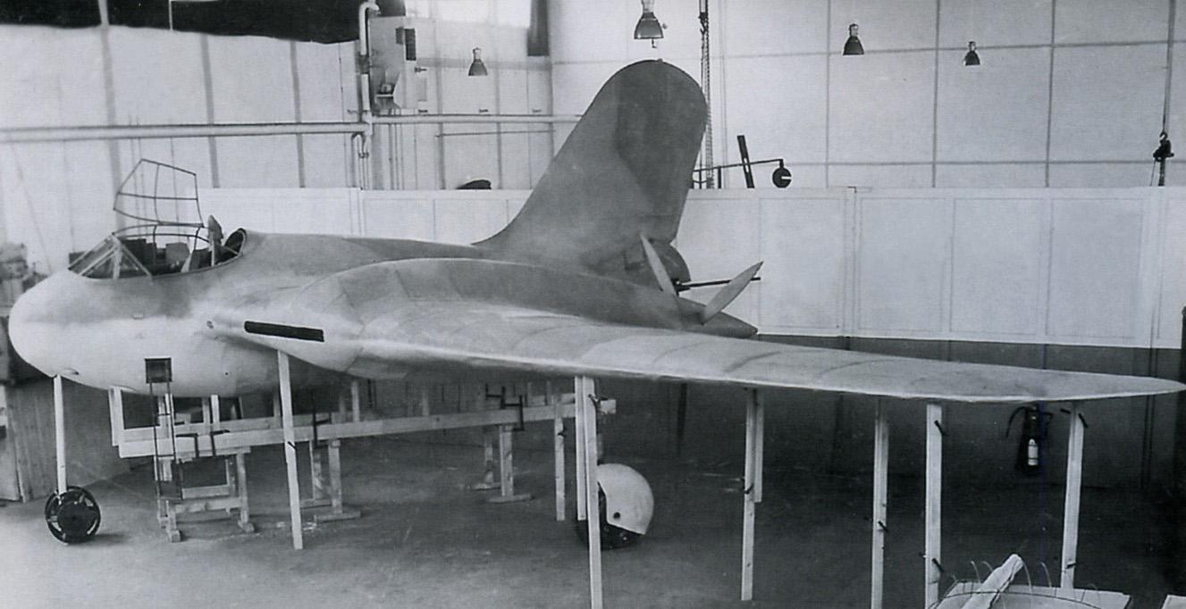 Немецкий истребитель-бомбардировщик Messerschmitt Me 329