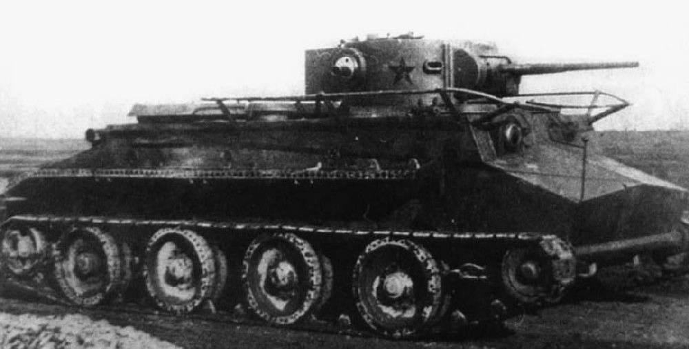 Лёгкий плавающий колёсно-гусеничный танк ПТ-1