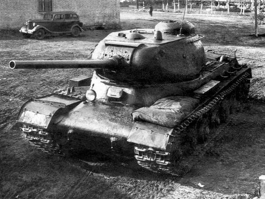 Советский тяжёлый танк ИС №1