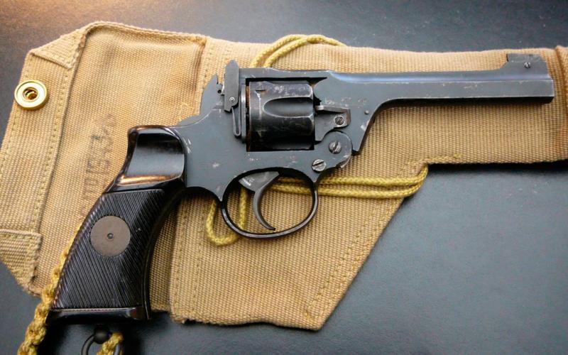 Револьверы «Enfield» (Великобритания)