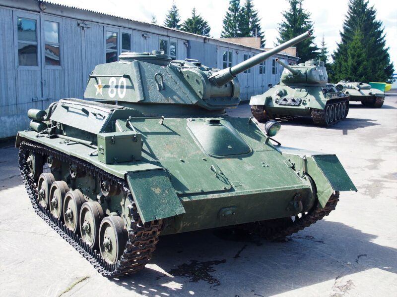 Советский лёгкий танк Т-80
