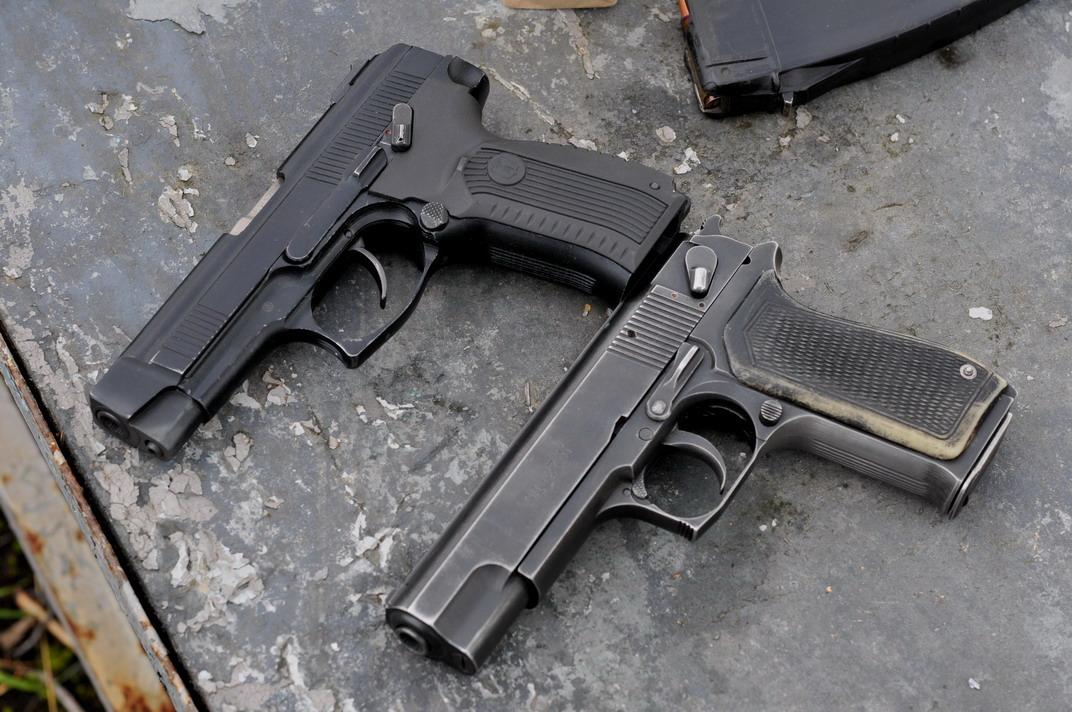 Пистолеты МР-443 «Грач», ОЦ-27 «Бердыш» и СР-1 «Гюрза» (Россия)