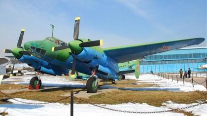 Фронтовой бомбардировщик ТУ-2