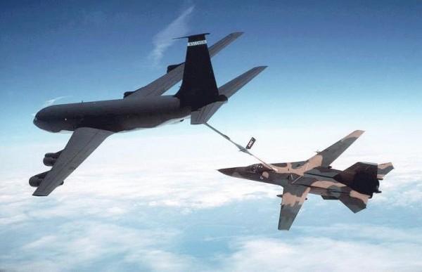 Самолет заправщик КС-135 «Стратотанкер»