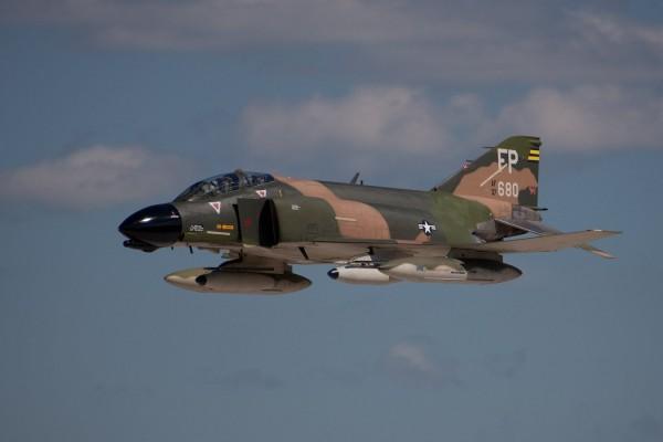 Самолет Макдоннелл Дуглас RF-4 «ФАНТОМ» II