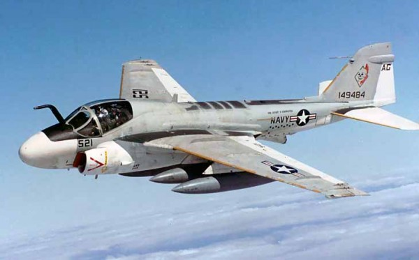 Самолет Грумман А-6 «Интрудер»