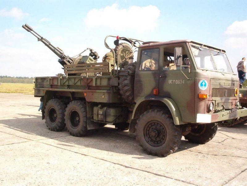 ZSU-23-2_Gun_Truck_Hiena_Star_266_Forum_armyRecognition_002