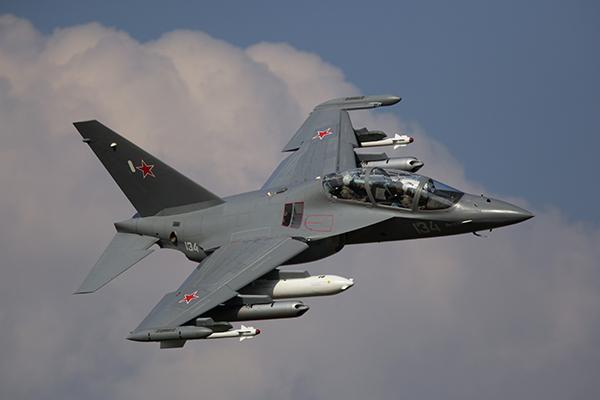 Учебно-тренировочный самолет Як-130