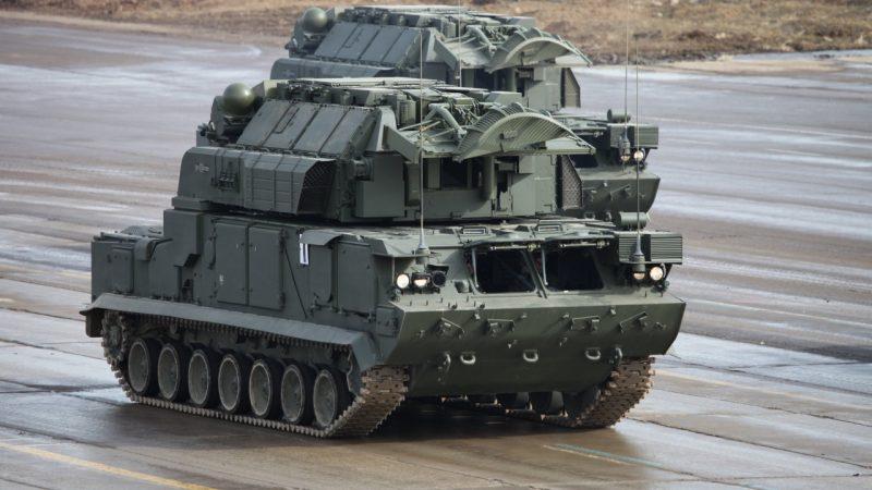 """Самоходный зенитный ракетный комплекс 9К330 """"Тор"""""""