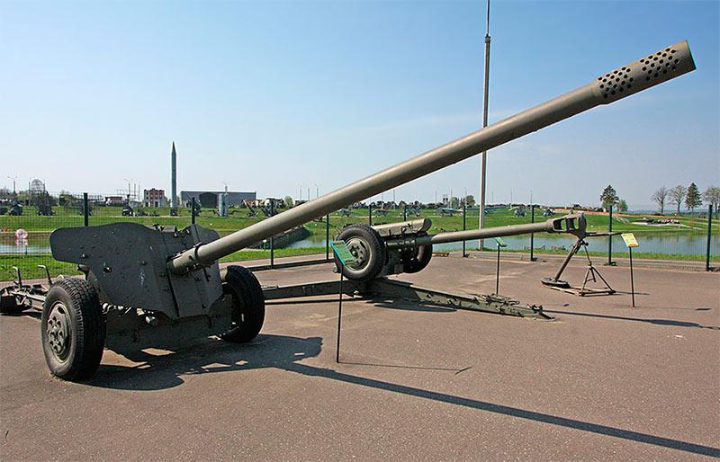 """100-мм противотанковая пушка МТ-12 (2А29) """"Рапира"""""""