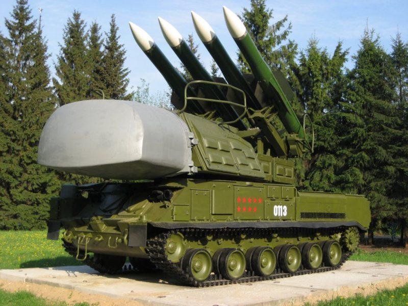 """Самоходный зенитный ракетный комплекс 9К37 """"Бук"""""""