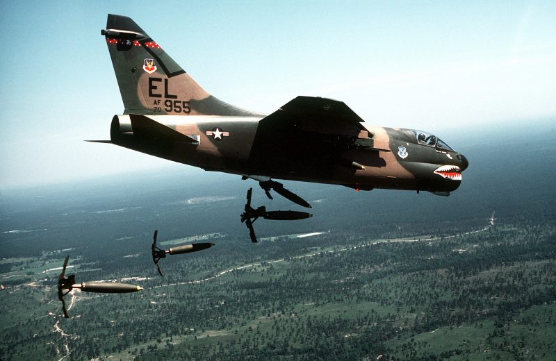 Палубный ударный самолет А-7 «Корсар»