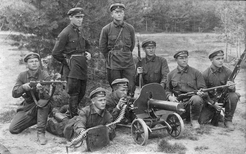 Рабоче-Крестьянская Красная армия (РККА)