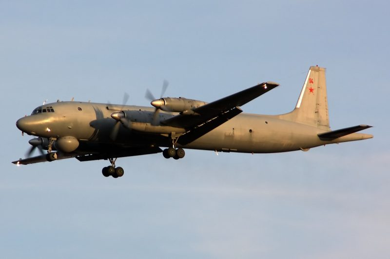 Противолодочный самолет Ил-38