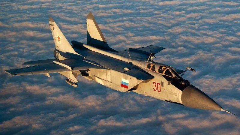 Истребитель-перехватчик МиГ-25