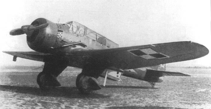 Одномоторный легкий бомбардировщик и разведчик PZL P-23 Karas