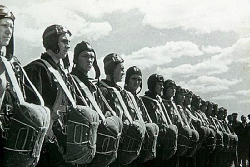 Боевые парашюты РККА